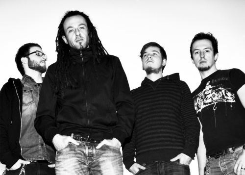 perlaine-band-black-and-white_14.jpg